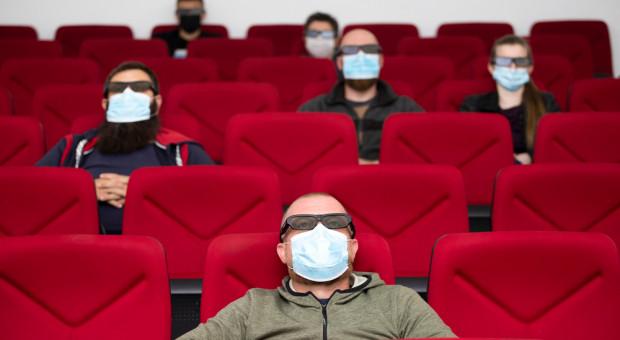 Od połowy lutego otwarcie hoteli oraz kin i teatrów do 50 proc. miejsc