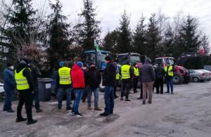 Do Gorzkowic ze wsparciem dla kolegi zjechało kilkudziesięciu rolników