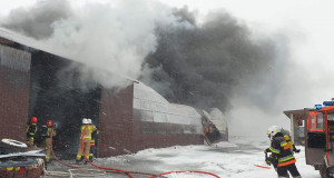 Pożar gasiło 7 zastępów strażaków z okolicznych jednostek zawodowych i ochotniczych, Fot. OSP Andrzejewo