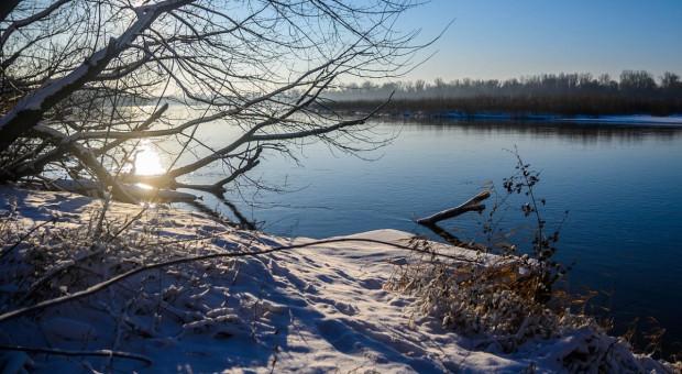 Poziom Wisły w Wyszogrodzie obniża się, a wzrasta w Kępie Polskiej - w Płocku rzeka znacznie opadła