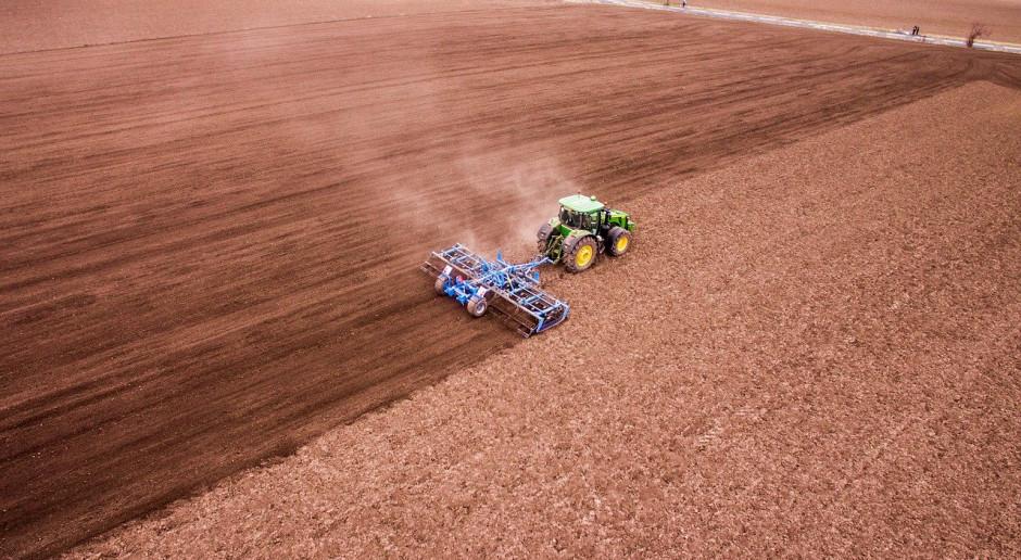 Niemcy: Więcej gospodarstw o powierzchni od 200 do 500 hektarów