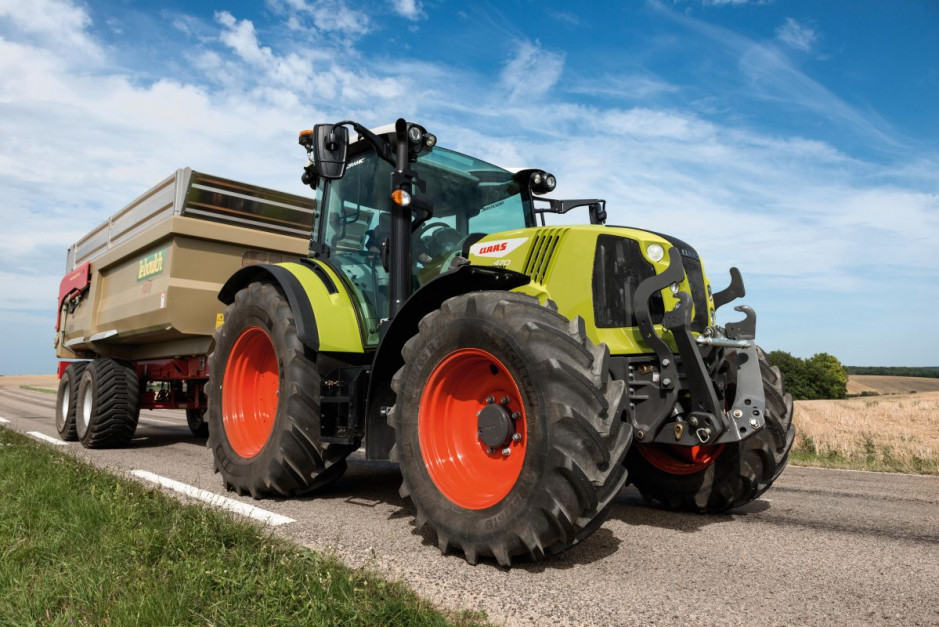 Nowy Claas Arion 400 Stage 5   01.jpg