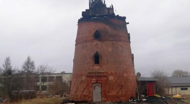 Spłonął zabytkowy 150-letni wiatrak