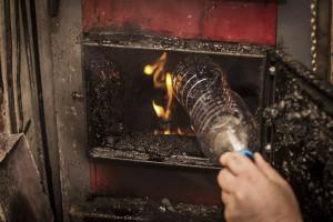 Czym nie powinno się palić w kotle grzewczym?