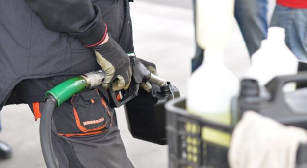 Analitycy: paliwa na stacjach drożeją, najmocniej diesel