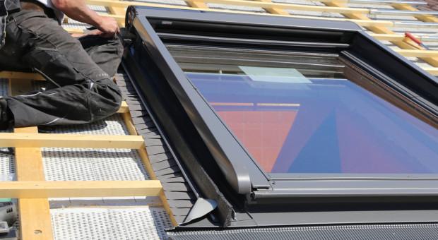 Jaki zwrot można uzyskać za wymianę okien dachowych w domu?