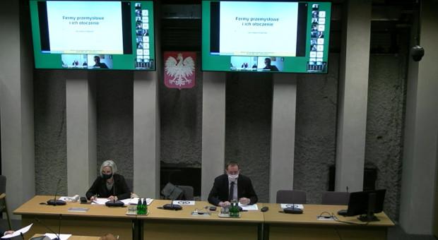 Wieś rekreacyjna czy produkcyjna – dyskusja o fermach w Sejmie