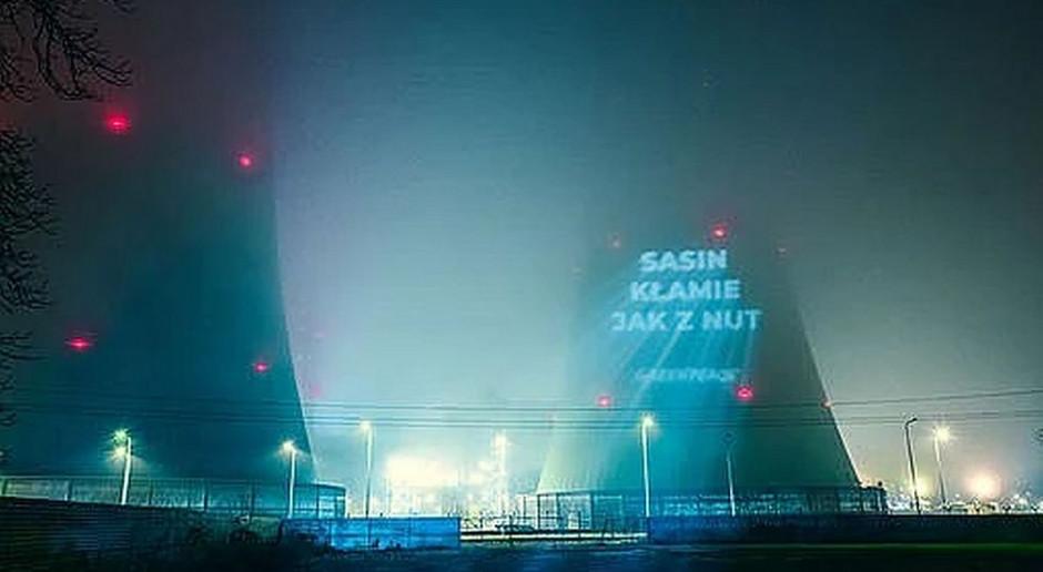 Nocna akcja Greenpeace w Elektrowni Opole