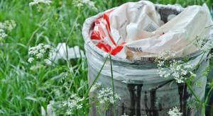 Usuwanie folii i odpadów porolniczych wciąż dużym problemem