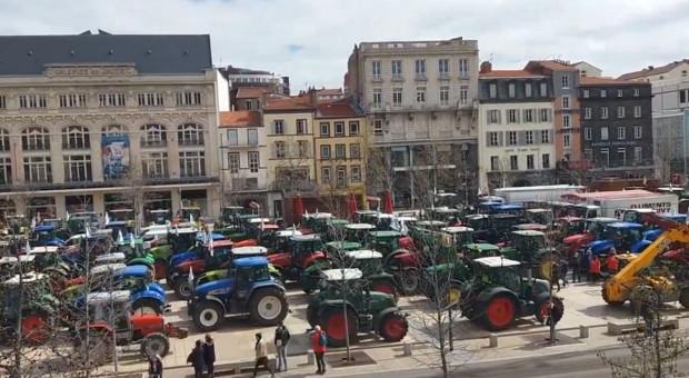 Masowe protesty francuskich rolników