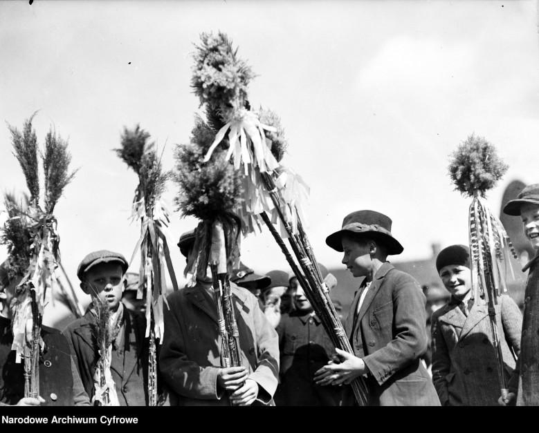 Niedziela Palmowa w Myślenicach 2, Fot. Narodowe Archiwum Cyfrowe.jpg