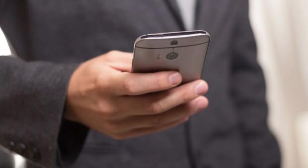 Kancelaria Premiera zachęca do ściągnięcia aplikacji STOP COVID