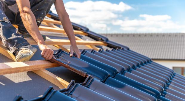 Zalety ceramicznych pokryć dachowych