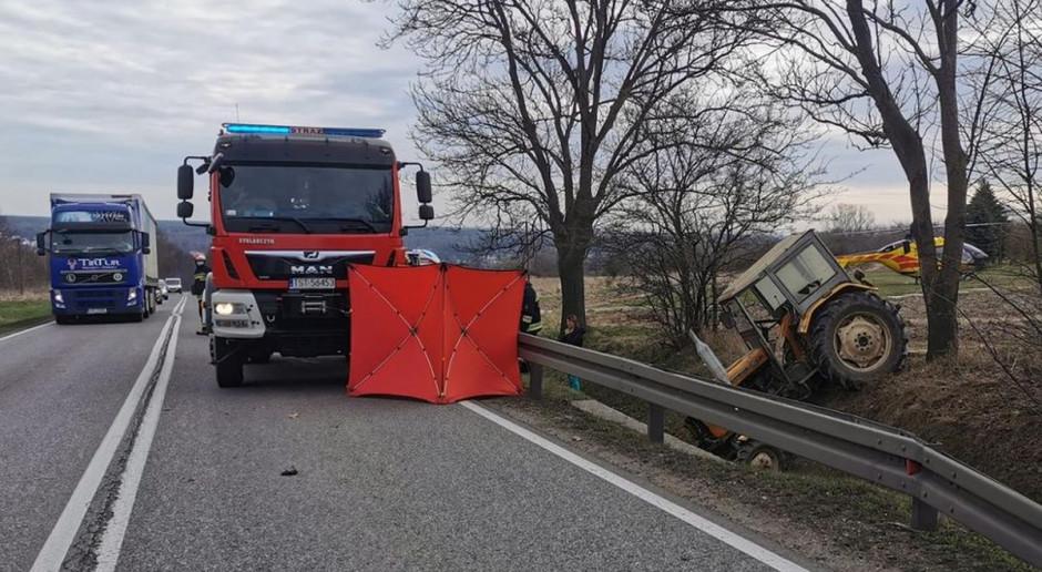 Traktorzysta zasłabł za kierownicą