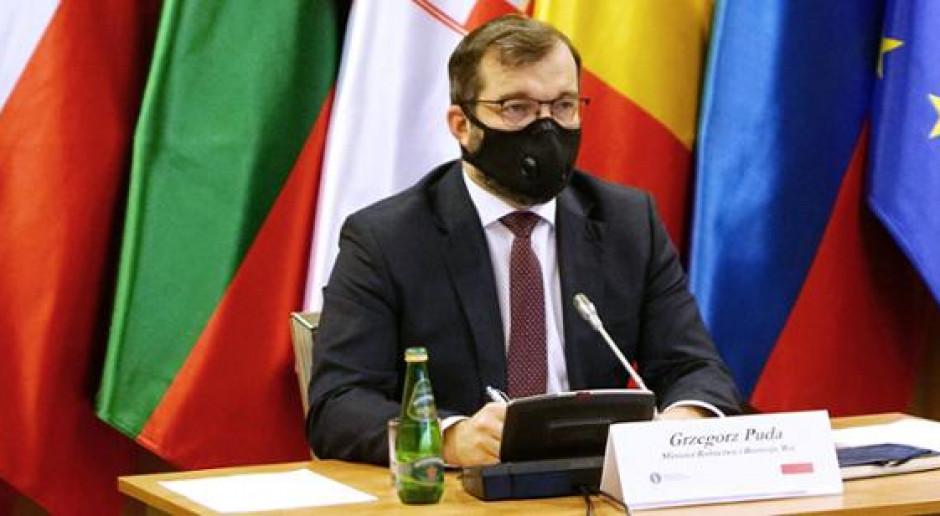 """Strategia """"Od pola do stołu"""" tematem rozmów ministrów rolnictwa Grupy Wyszehradzkiej"""