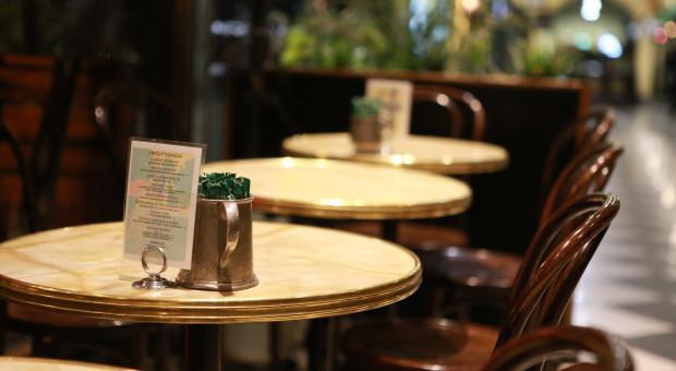 Szef MZ: W przyszłym tygodniu ogłosimy szczegółowy plan otwarcia branż gospodarki m.in. hotelarskiej i gastronomicznej