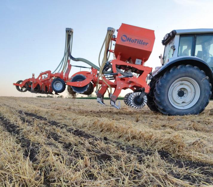 Dwa lata temu rolnik wraz ze swoim kolegą założył firmę produkującą maszyny do uprawy pasowej