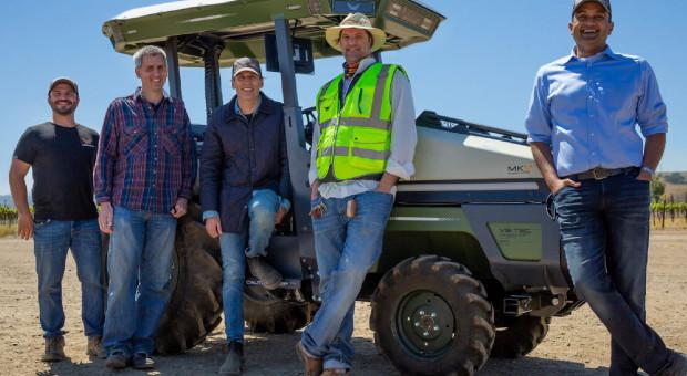 Pierwszy elektryczny Monarch Tractor już pracuje w winnicy