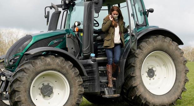 Kobiety na traktory! Księżne też!