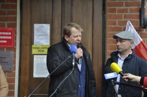 Prezes Podlaskiej Izby Rolniczej Grzegorz Leszczyński podkreślił że udrażnianie rowów melioracyjnych nie stanowi zagrożenia dla siedlisk lęgowych chronionych gatunków ptaków. Foto. RZ
