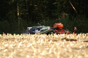 AgBot wygląda trochę jak ciągnik gąsienicowy bez kabiny, fot. mat. prasowe