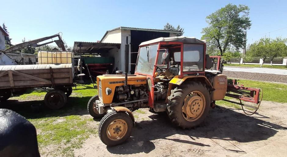 Rolnik przygnieciony przez traktor