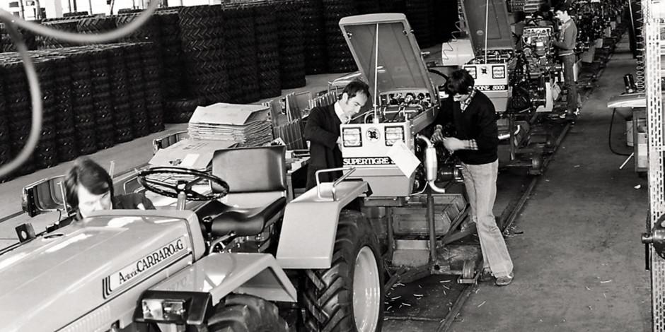 Linia produkcyjna ciągników AC lata 70. fot. Antonio Carraro