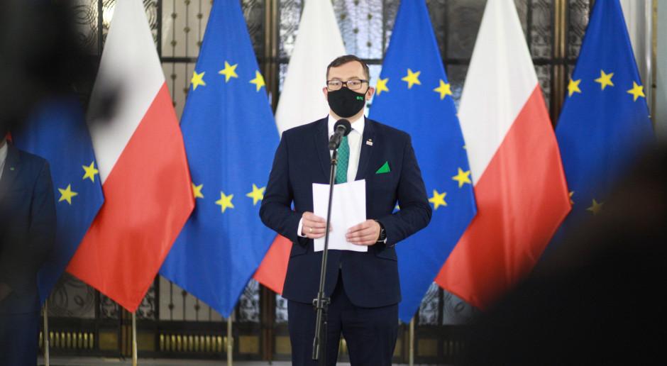 PSL: Polscy rolnicy zostali przez PiS oszukani ws. wyższych dopłat