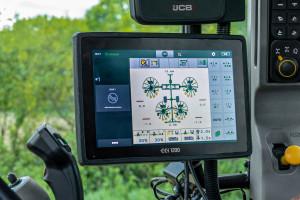 Zgrabiarki oferowane dla wielkoobszarowych gospodarstw rolnych mogą być sterowane za pomocą terminali Isobus i joysticka