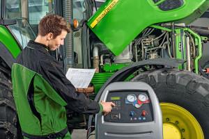 Ile kosztuje serwis klimatyzacji w ciągniku?