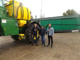 Właściciele gospodarstwa (od lewej Jeremiasz Przechadzki, Waldemar Przechadzki i Tobiasz Przechadzki)