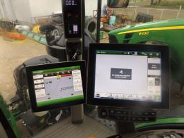 Operator po dojeździe na pole aktywuje wygenerowany plan i maszyna sama dobiera już potrzebne ustawienia