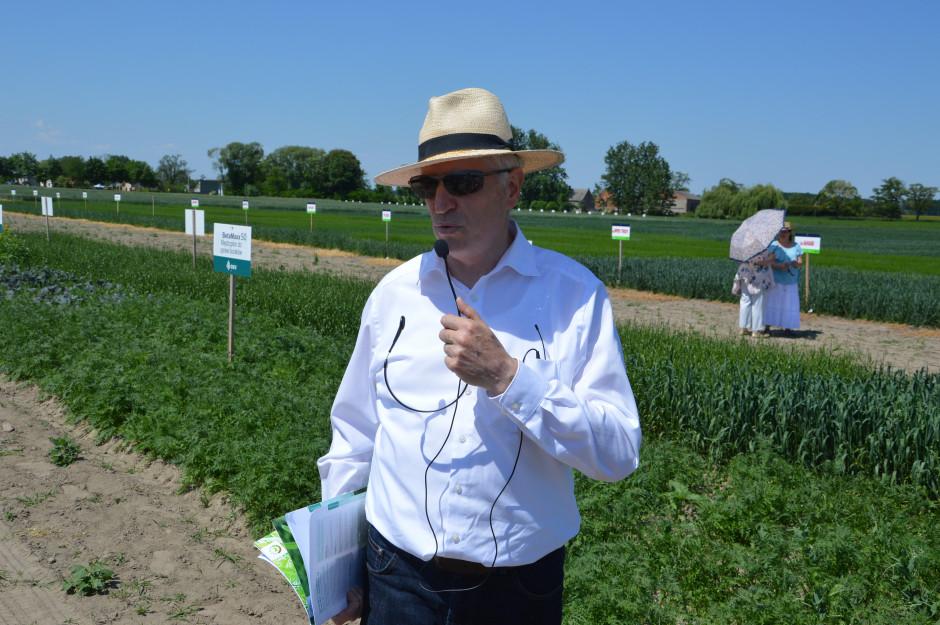Jerzy Trościanko z DSV Polska omówił mieszanki roślin poplonowych oferowane przez firmę DSV Zdjęcie: Wołosowicz