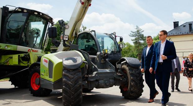 Premier Morawiecki odwiedził gospodarstwo w Będkowicach
