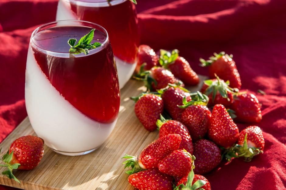 Truskawkowa panna cotta, fot. Shutterstock