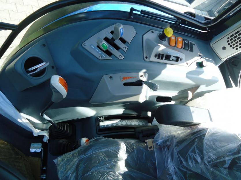 Nowe Landini serii 4, fot.AMGr 08.jpg