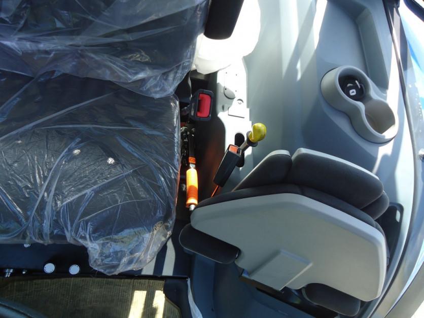 Nowe Landini serii 4, fot.AMGr 07.jpg