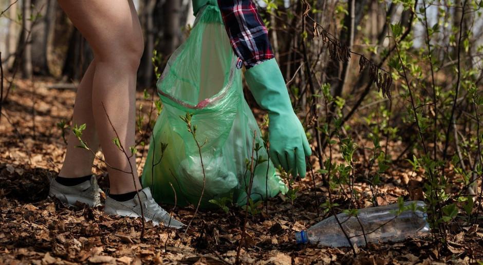 Para Prezydencka apelowała, by nie zostawiać po sobie w lesie śmieci