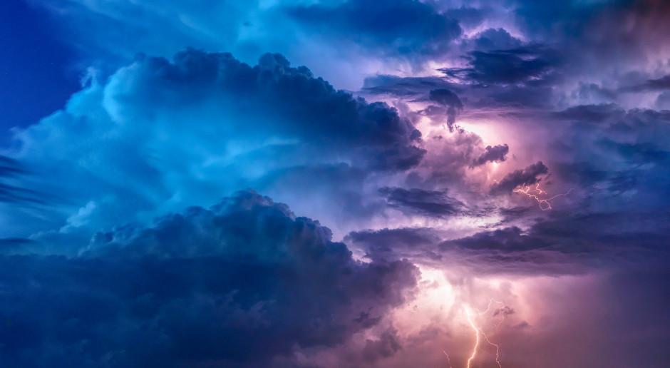 IMGW ostrzega przed upałem i burzami niemal w całym kraju