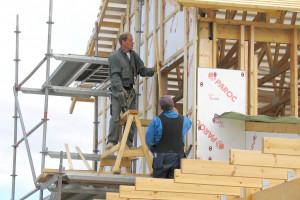 Jak prawidłowo docieplić dom na szkielecie drewnianym?