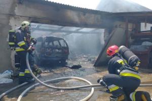 Pożar w gospodarstwie - poparzony nastolatek, który próbował gasić