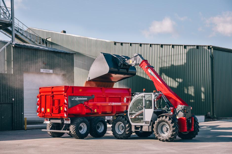 Najnowsza ładowarka Massey Ferguson TH8043 to największy model w premierowej gamie, fot. mat. prasowe