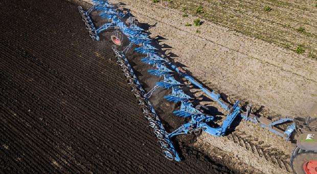 Pług Lemken Titan 18 o długości 15,2 m w akcji!