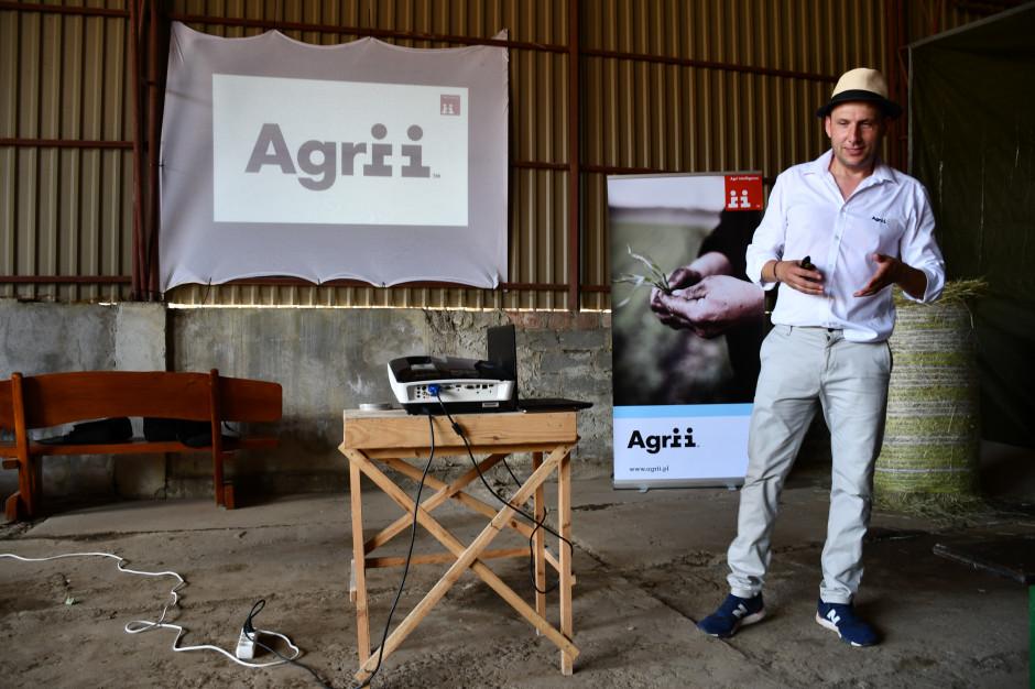 Dr Marek Reich podczas prezentacji technologii uprawy, fot. HJ