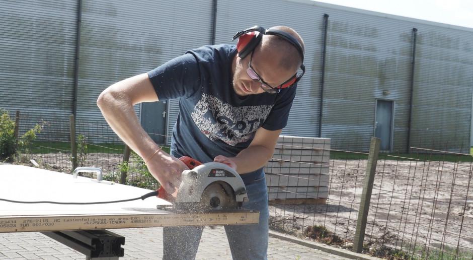 UOKiK radzi, na co zwrócić uwagę przy zakupie pilarek do cięcia drewna
