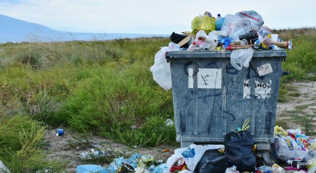 Uwaga na nielegalne składowiska odpadów