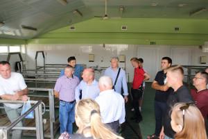 Drugą część spotkania stanowiła wizyta w gospodarstwie, fot.Ł.Ch..JPG