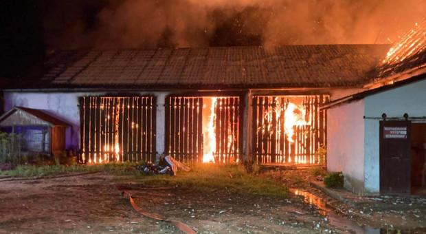 Płonęła obora i stodoła - zginęło bydło
