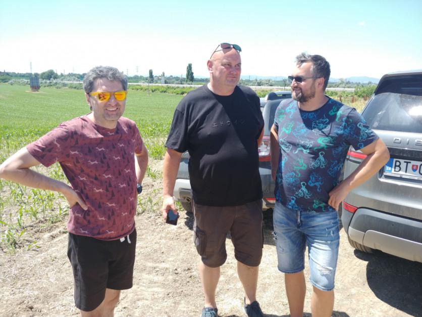 Podczas podróży Farmera na żniwa do Rumunii, rozmawialiśmy pod Słowacką Trnawą o rozpoczętych tutaj żniwach, fot. Karol Hołownia