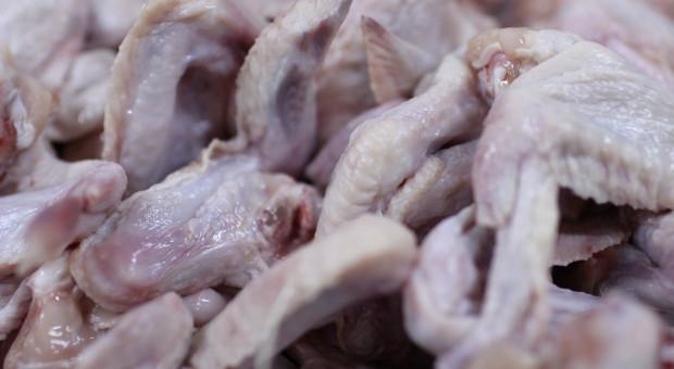 Produkcja drobiarska w USA: Amerykanom brakuje skrzydełek z kurczaka
